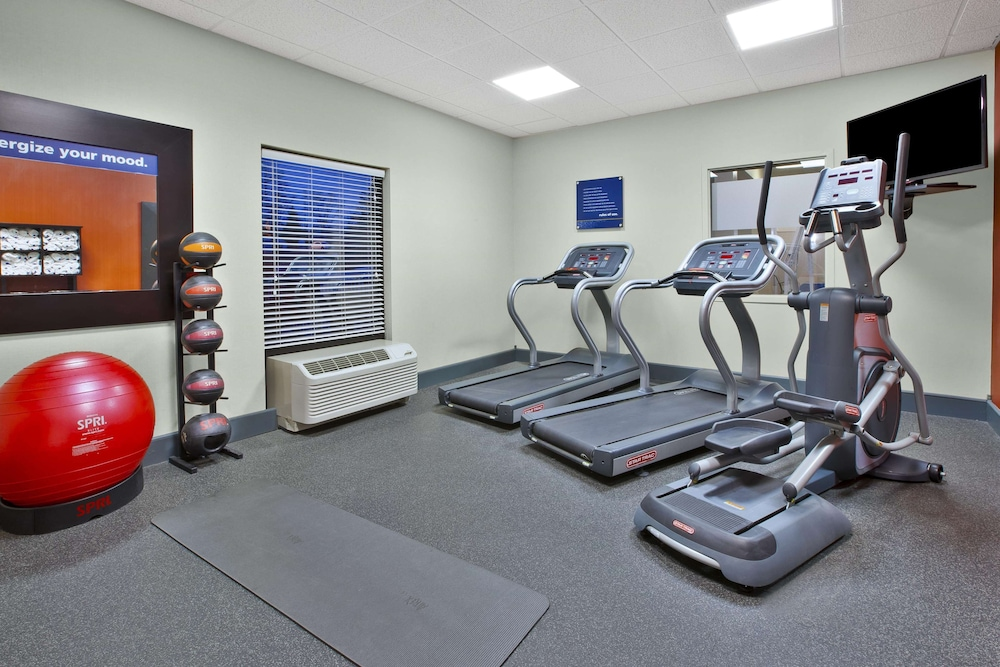 Fitness Facility, Hampton Inn & Suites Springboro