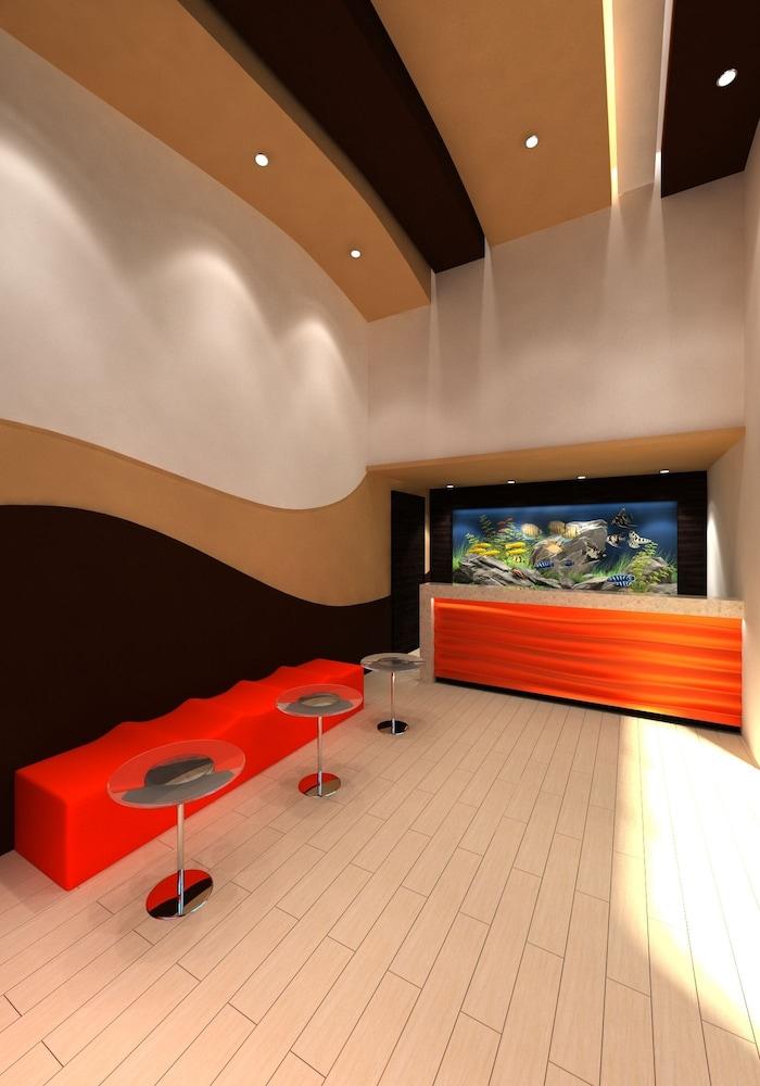 Redondo Pier Inn 2 0 Out Of 5 Exterior Detail Interior Entrance