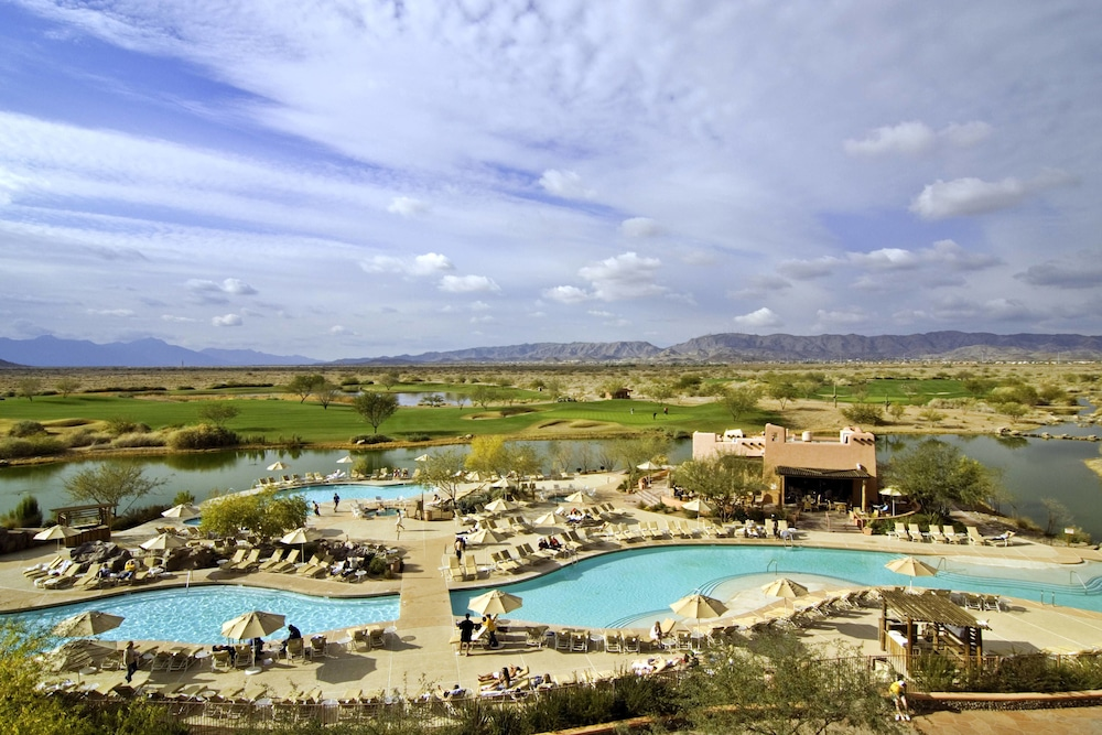 Outdoor Pool, Sheraton Grand at Wild Horse Pass