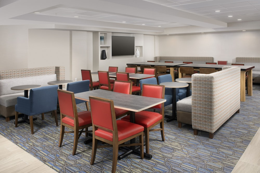 Restaurant, Holiday Inn Express & Suites Baltimore - BWI Airport North