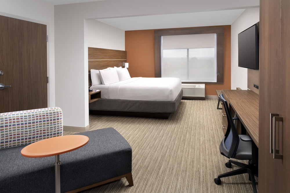 Room, Holiday Inn Express & Suites Baltimore - BWI Airport North