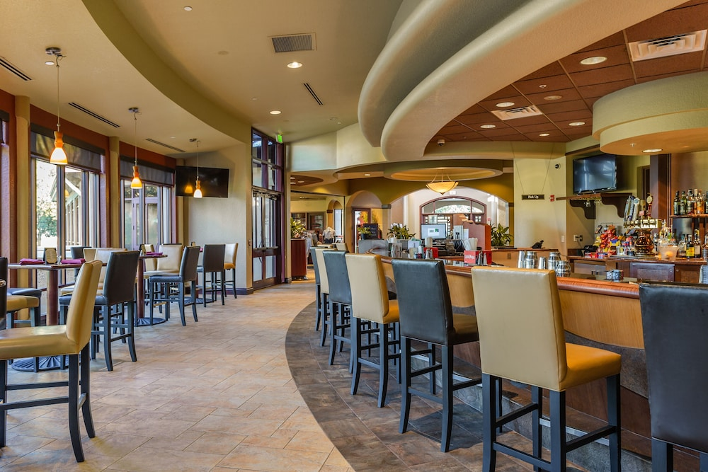 Restaurant, Mystic Dunes Resort & Golf Club by Diamond Resorts