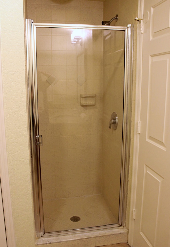 Bathroom Shower, Mystic Dunes Resort & Golf Club by Diamond Resorts