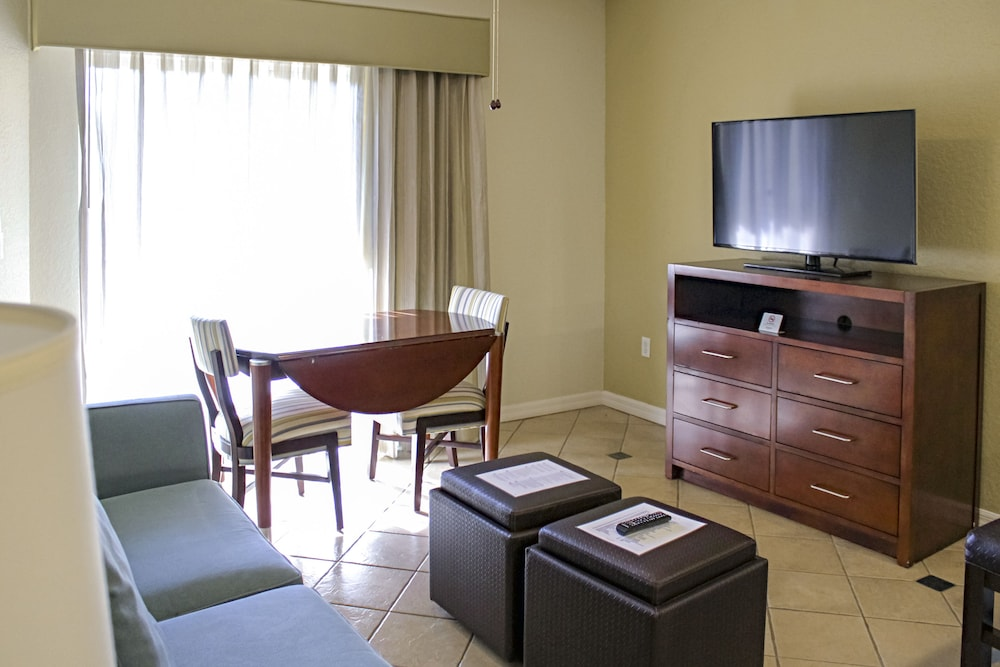 Living Room, Mystic Dunes Resort & Golf Club by Diamond Resorts