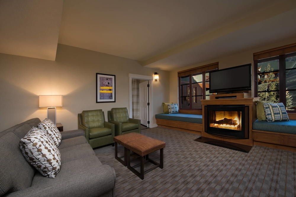 Living Area, Grand Residences by Marriott, Lake Tahoe