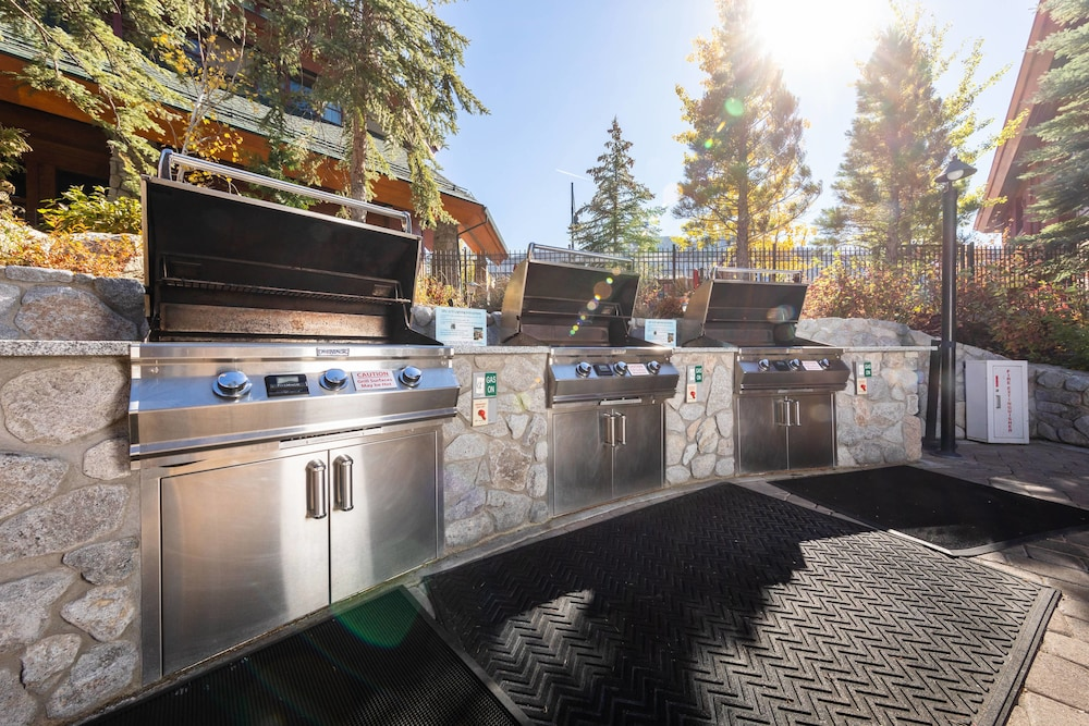 BBQ/Picnic Area, Grand Residences by Marriott, Lake Tahoe