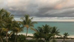 Plage, sable blanc, serviettes de plage