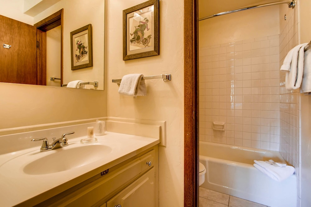Bathroom, Westwind at Vail