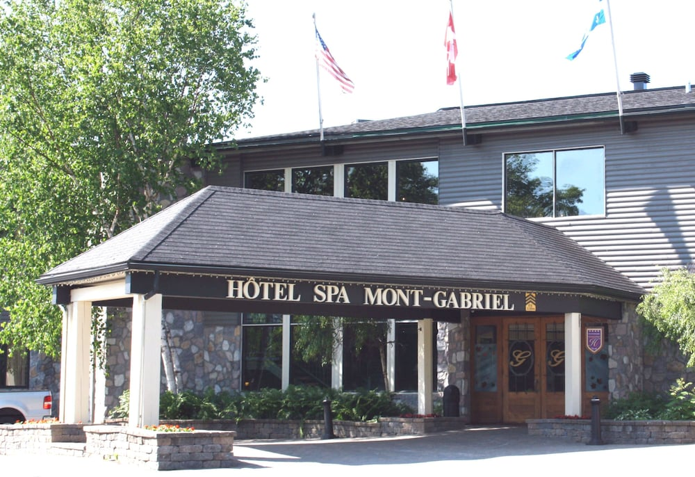 Hotel mont gabriel in laurentians hotel rates reviews for Les noms des hotels