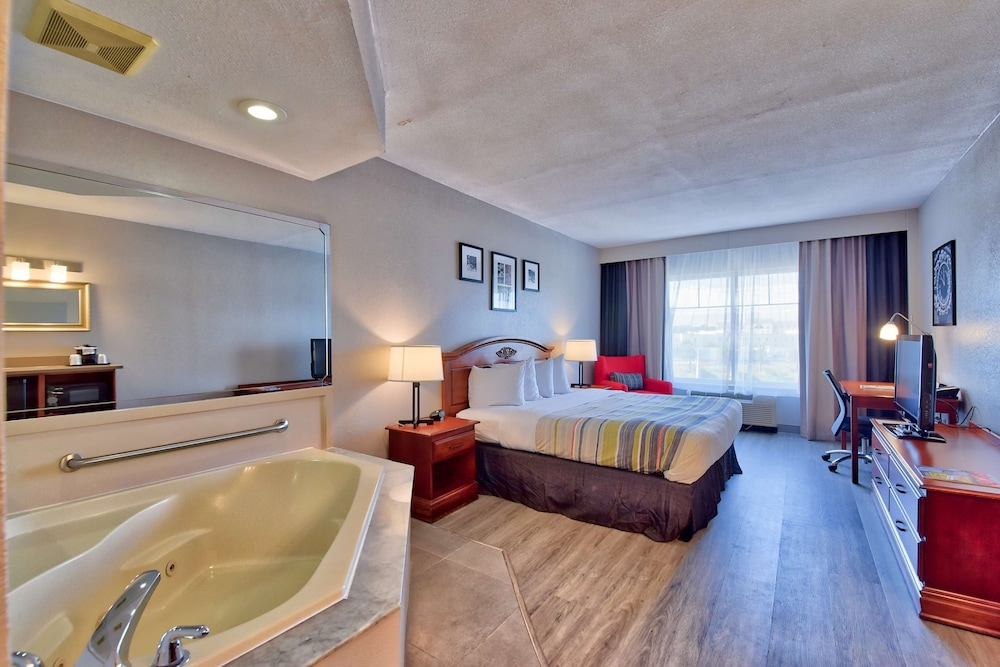 Room, Country Inn & Suites by Radisson, Ocala, FL