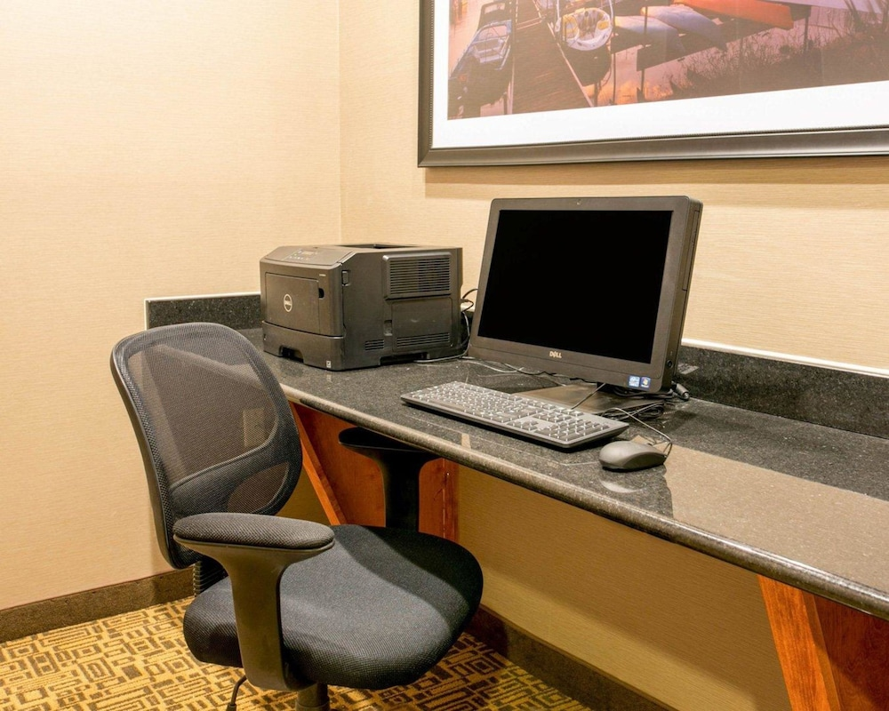 Business Center, Comfort Suites Benton Harbor - St. Joseph