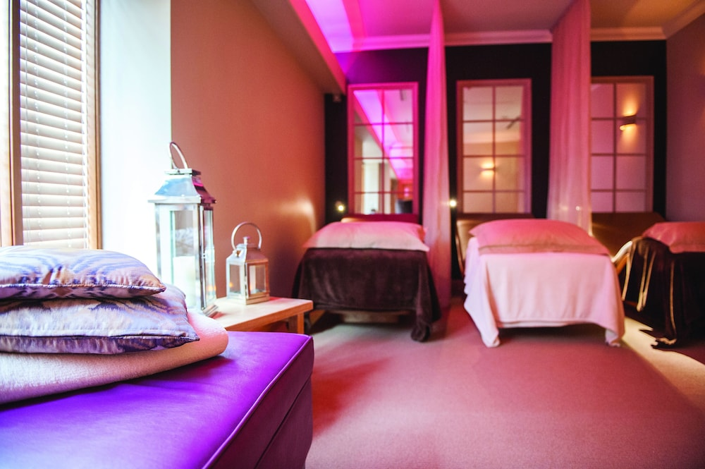 Treatment Room, Cottons Hotel & Spa