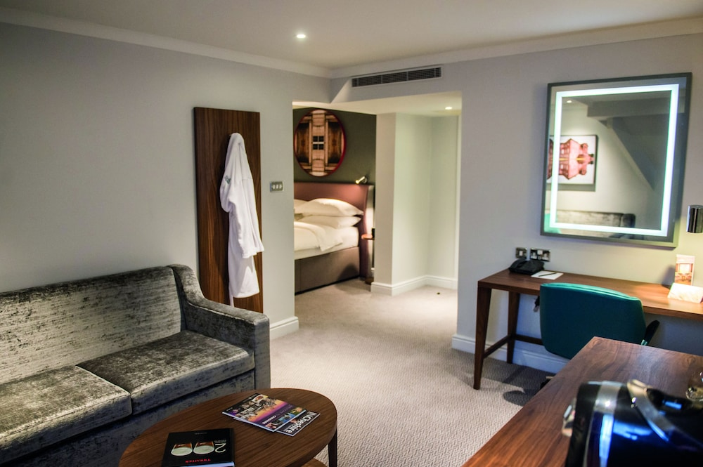 Room, Cottons Hotel & Spa