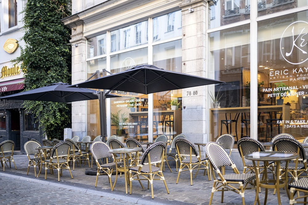 Outdoor Dining, Aris Grand-Place Hotel