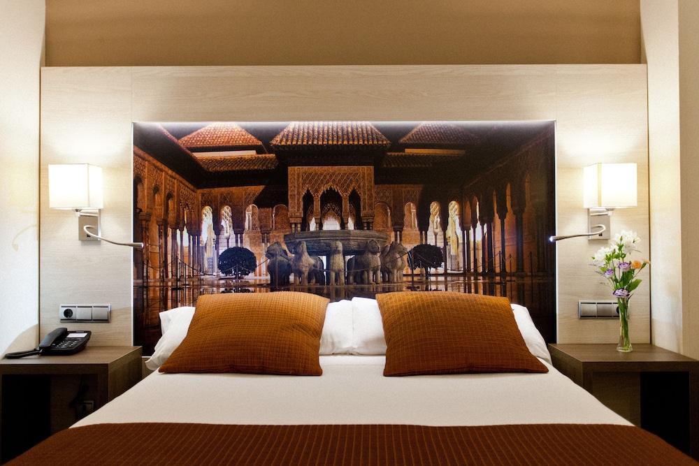 Hotel corona de granada reviews photos rates for Hotel de diseno granada