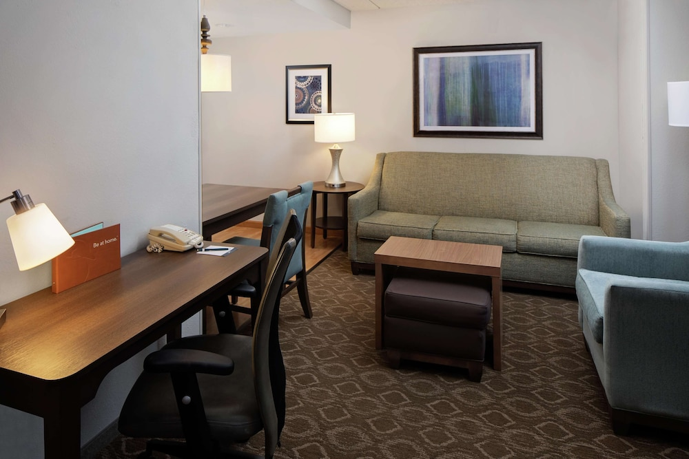 Living Area, Homewood Suites ClevelandSolon