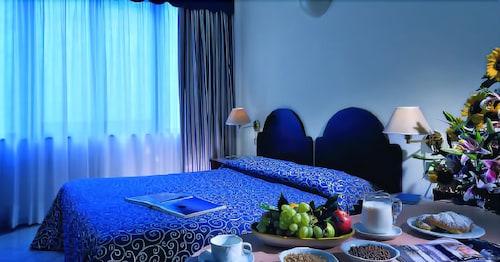 hotel royal positano positano hotelbewertungen 2019. Black Bedroom Furniture Sets. Home Design Ideas
