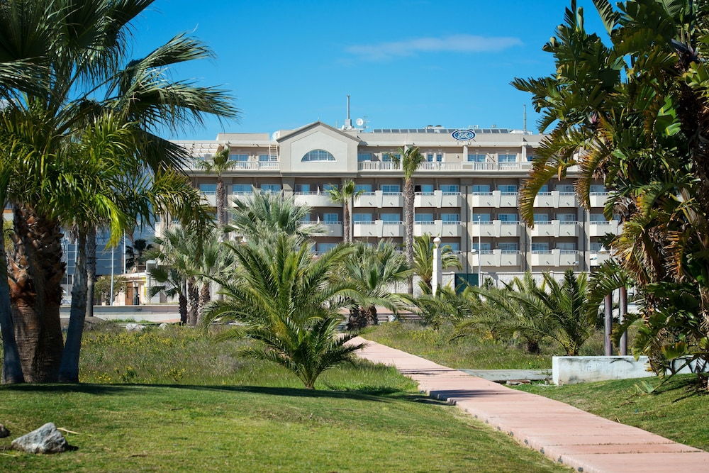 Front of Property, Elba Motril Beach & Business Resort