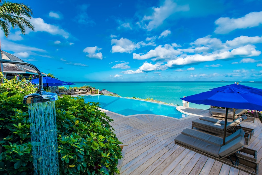Infinity Pool, Cocobay Resort - All Inclusive - Adults Only