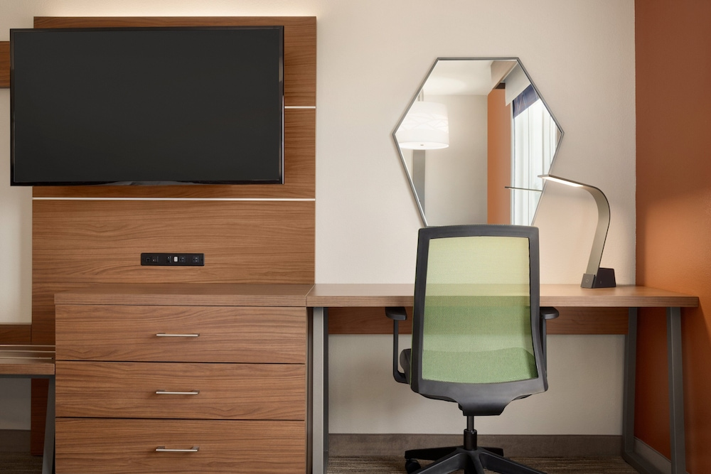 Room Amenity, Holiday Inn Express Hotel & Suites Auburn - University Area