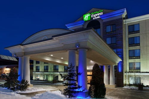 Great Place to stay Holiday Inn Express Hotel & Suites Erie (Summit Township) near Erie