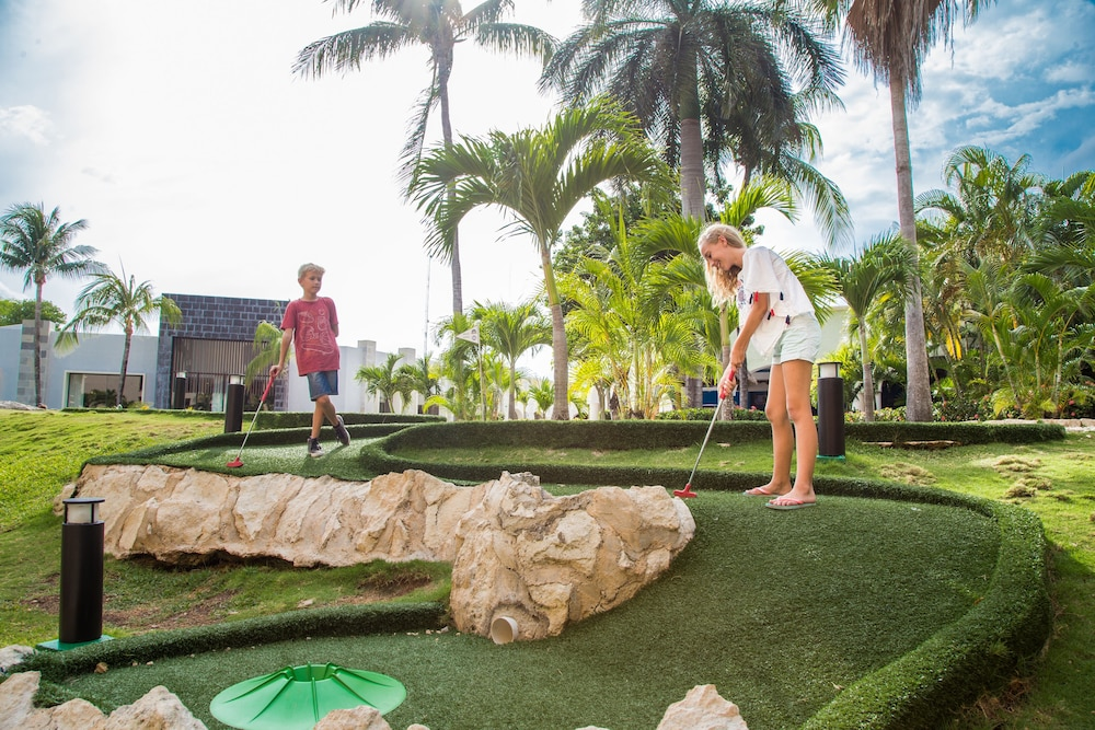 Mini-Golf, Sandos Playacar All Inclusive