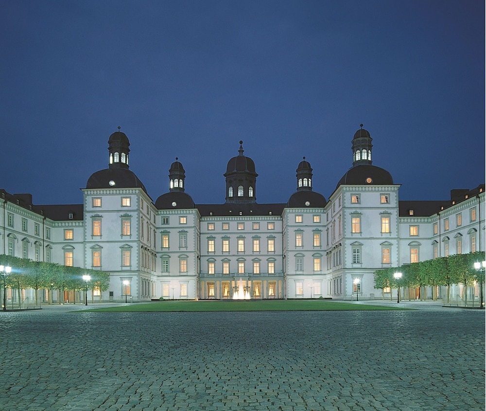 Front of Property - Evening/Night, Althoff Grandhotel Schloss Bensberg