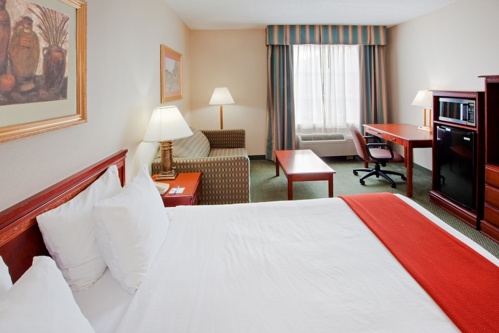Room, Holiday Inn Express Hanover, an IHG Hotel