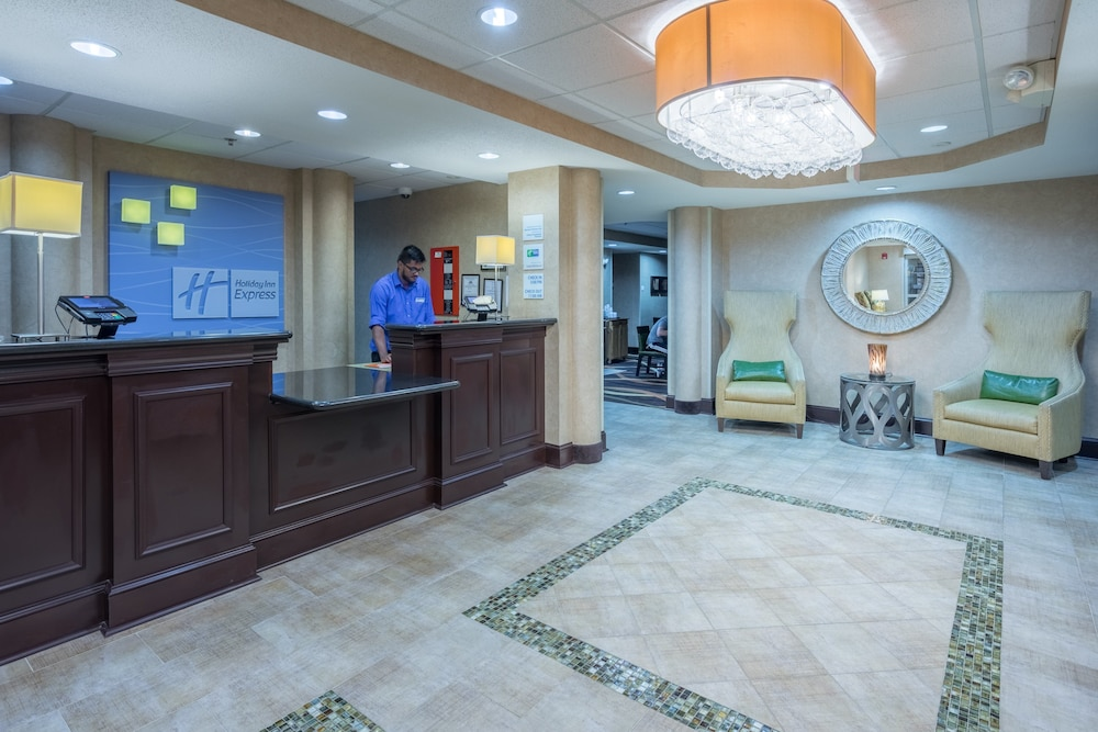 Lobby, Holiday Inn Express Hanover, an IHG Hotel