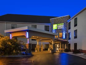Holiday Inn Express Hotel & Suites Great Barrington, an IHG Hotel