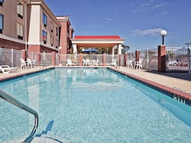 Holiday Inn Express & Suites Forest, an IHG Hotel