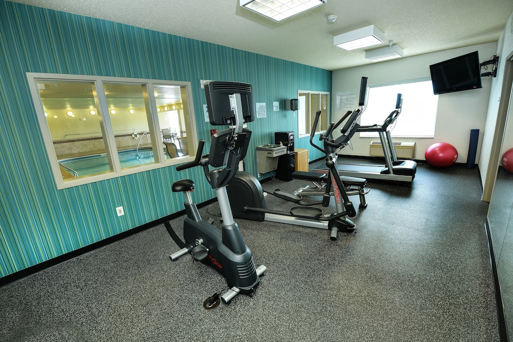 Fitness Facility, Holiday Inn Express Hotel & Suites Grand Forks