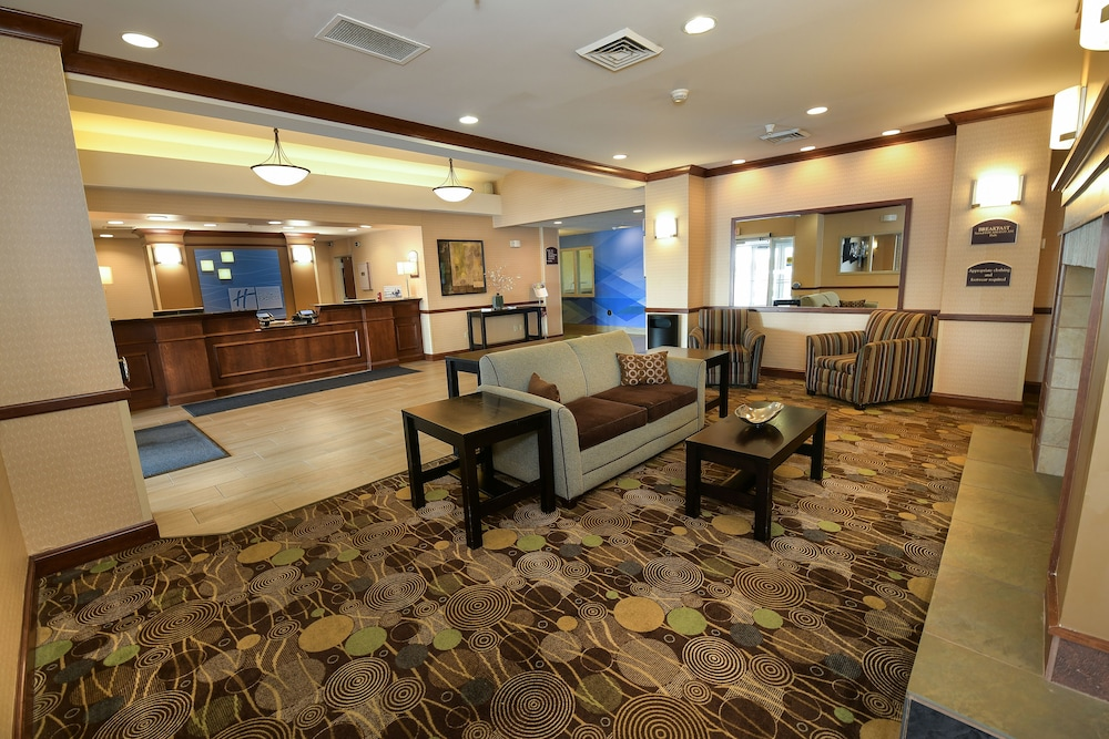 Lobby, Holiday Inn Express Hotel & Suites Grand Forks