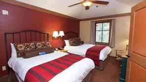 2 quartos, camas com colchões pillow-top, cofres nos quartos