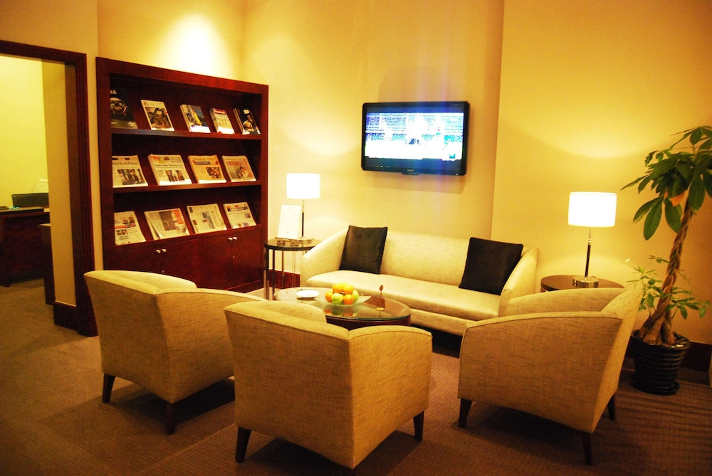 Business Center, DoubleTree by Hilton Hotel Shanghai - Pudong