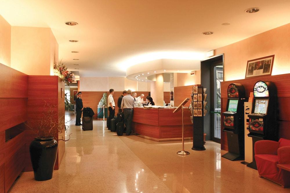 Best Western Hotel Cavalieri Della Corona Milan Ita Best Price Guarantee Lastminute Com Au