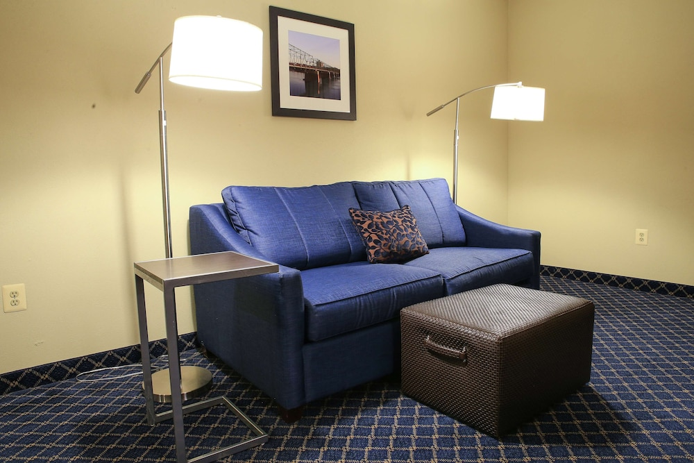 Living Area, Hampton Inn Bordentown