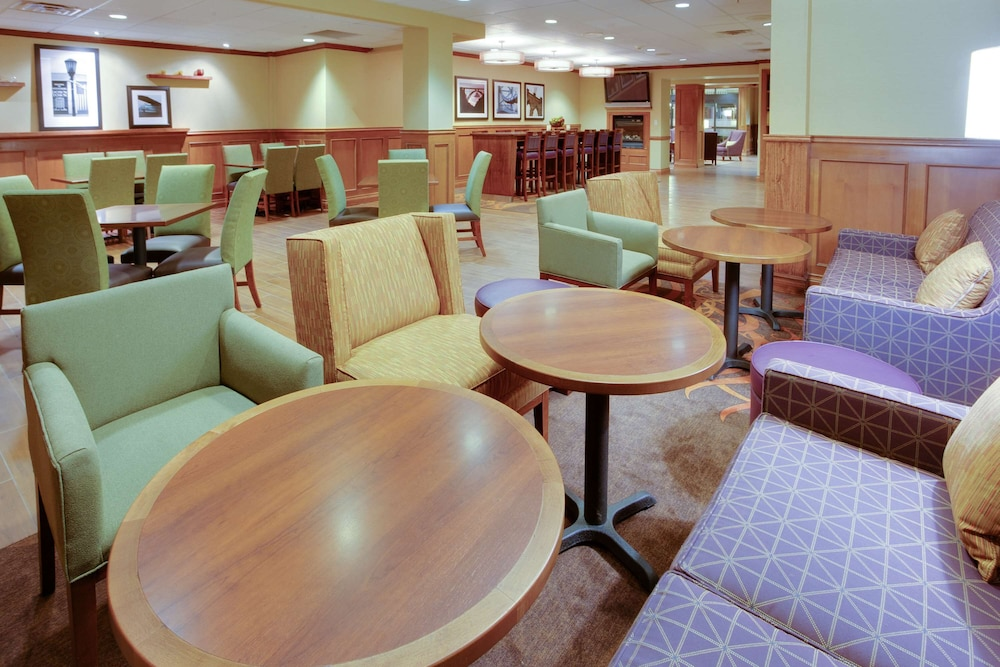 Reception, Hampton Inn Bordentown