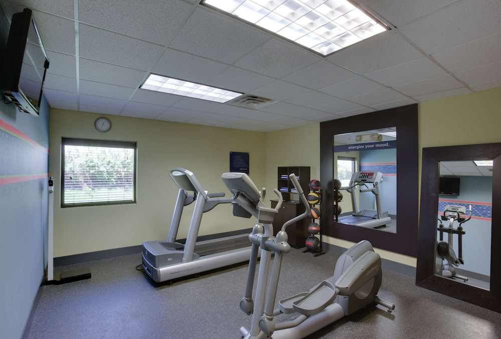 Fitness Facility, Hampton Inn Bordentown