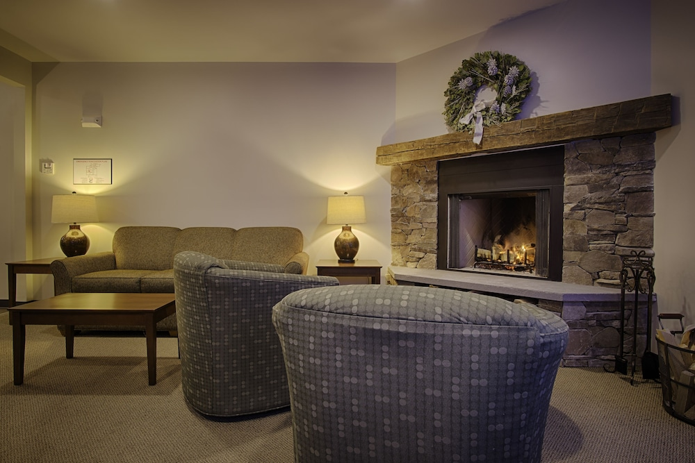 Fireplace, Sun & Ski Inn And Suites