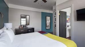 1 quarto, frigobar, cofres nos quartos, escrivaninha