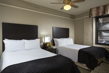 Deluxe Double Room, 2 Double Beds - Guestroom