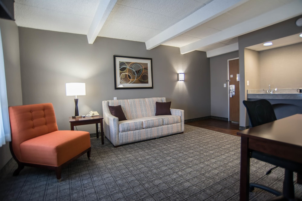 Eastland Suites Extended Stay Hotel & Conference Center Deals