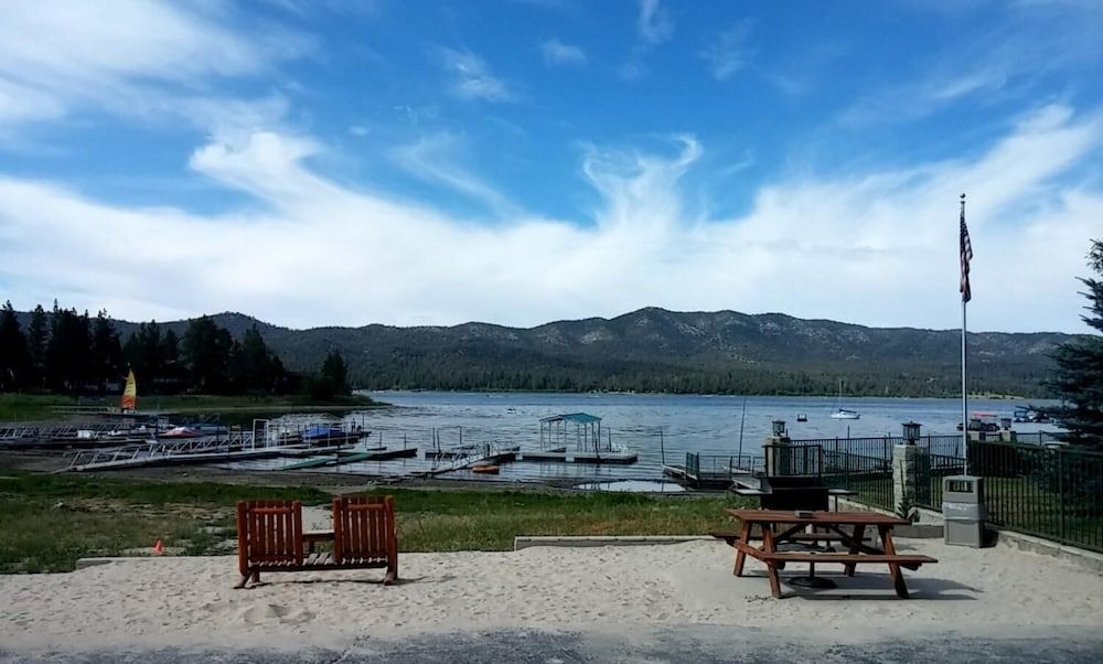 Property Grounds, Big Bear Lakefront Lodge