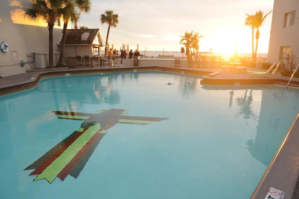 Thunderbird Beach Resort St Petersburg