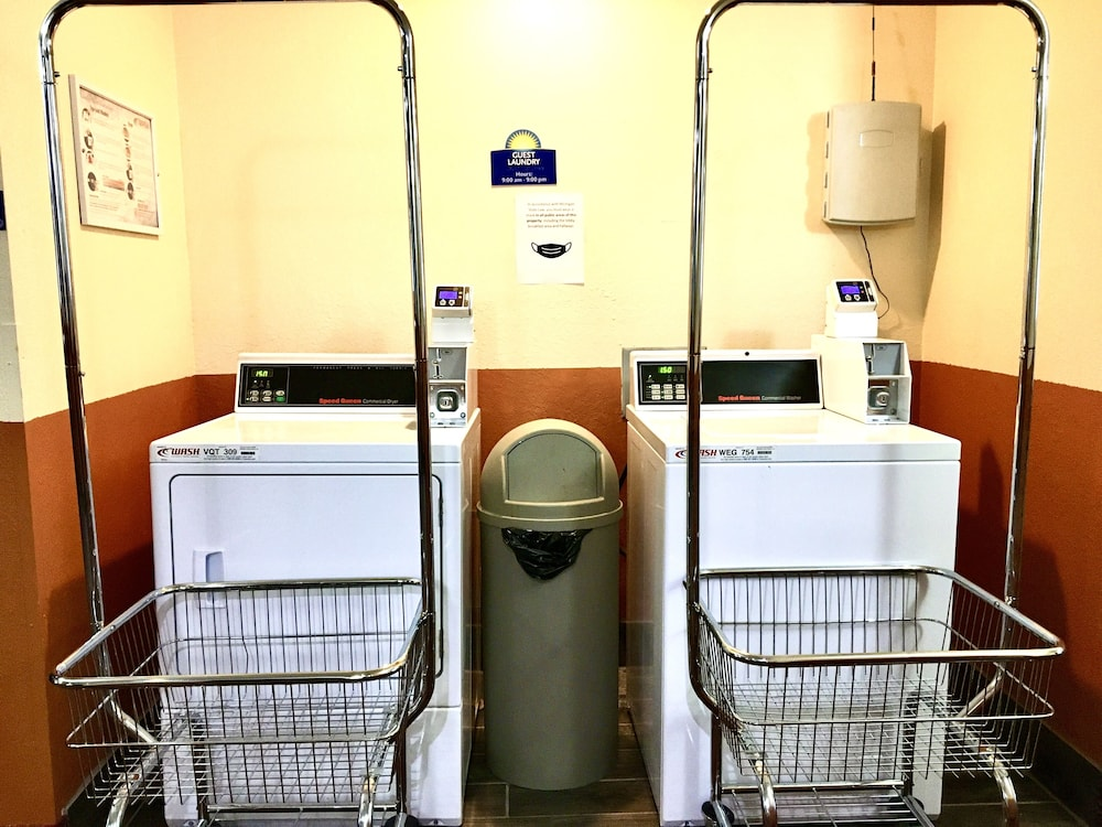 Laundry Room, Days Inn & Suites by Wyndham Traverse City