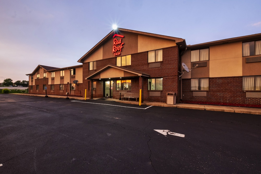 Front of Property, Red Roof Inn Greensburg