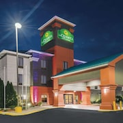 La Quinta Inn & Suites by Wyndham Louisville