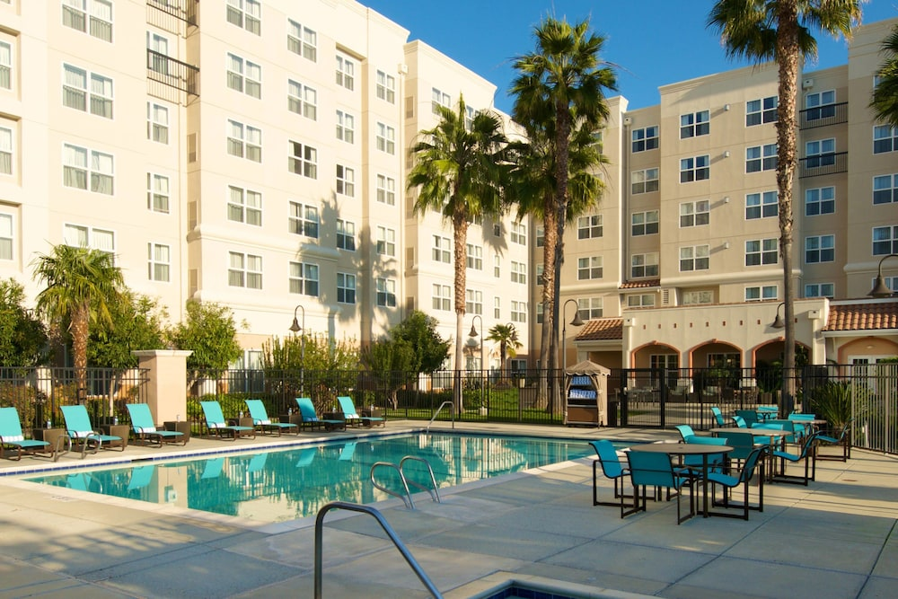 Outdoor Pool, Residence Inn by Marriott Newark Silicon Valley
