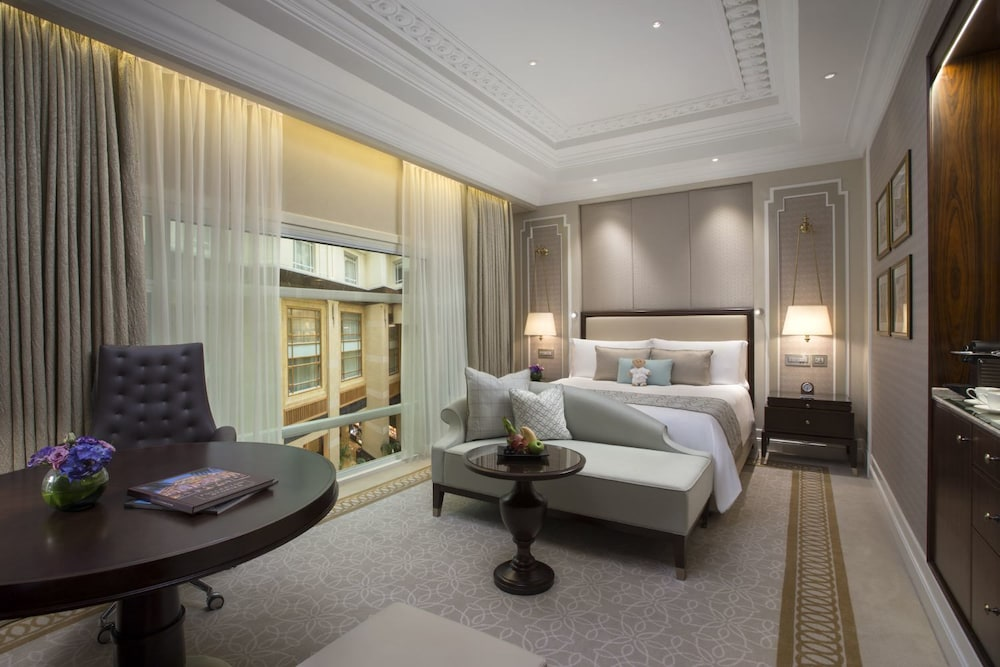 Room, The Fullerton Hotel Singapore